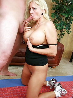 Freshest mature women on the net featuring Anilos Cala Craves anilos lesson