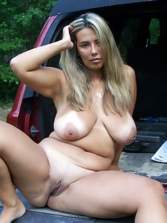 Mature BBW Housewife outdoor