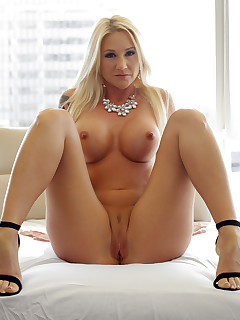 Blonde milf pornstr Alexis Malone hot hardcore fucking in the office pictures